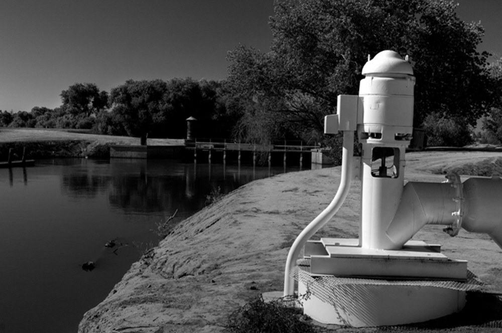 At Stratford, California the natural river ends its flow and the canals take over.  From here large pumps will remove the water from the canals for the crops of Kings, Tulare and Kern counties.